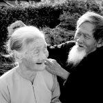 Tình cảm vợ chồng đáng nể của ông cụ năm nay 92 và bà cụ 85 tuổi