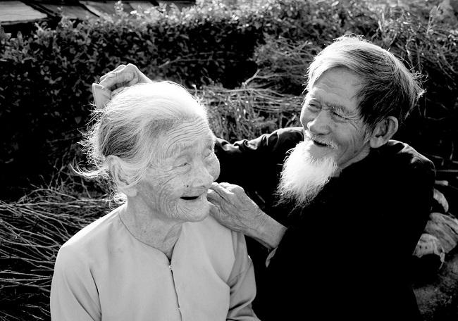 Hạnh phúc vợ chồng lúc về già